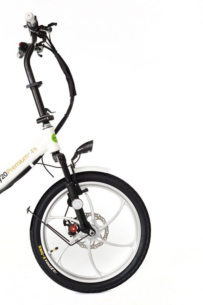 2018 City Premium White and Silver Electric bike